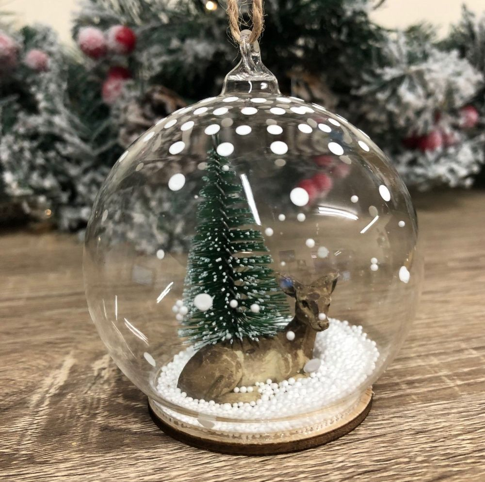 Glass Snowglobe Deer Winter Christmas Tree Decoration